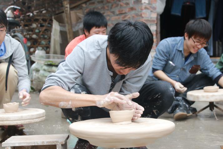 Làng gốm Bát Tràng, từ hòn đất làm nên tinh hoa