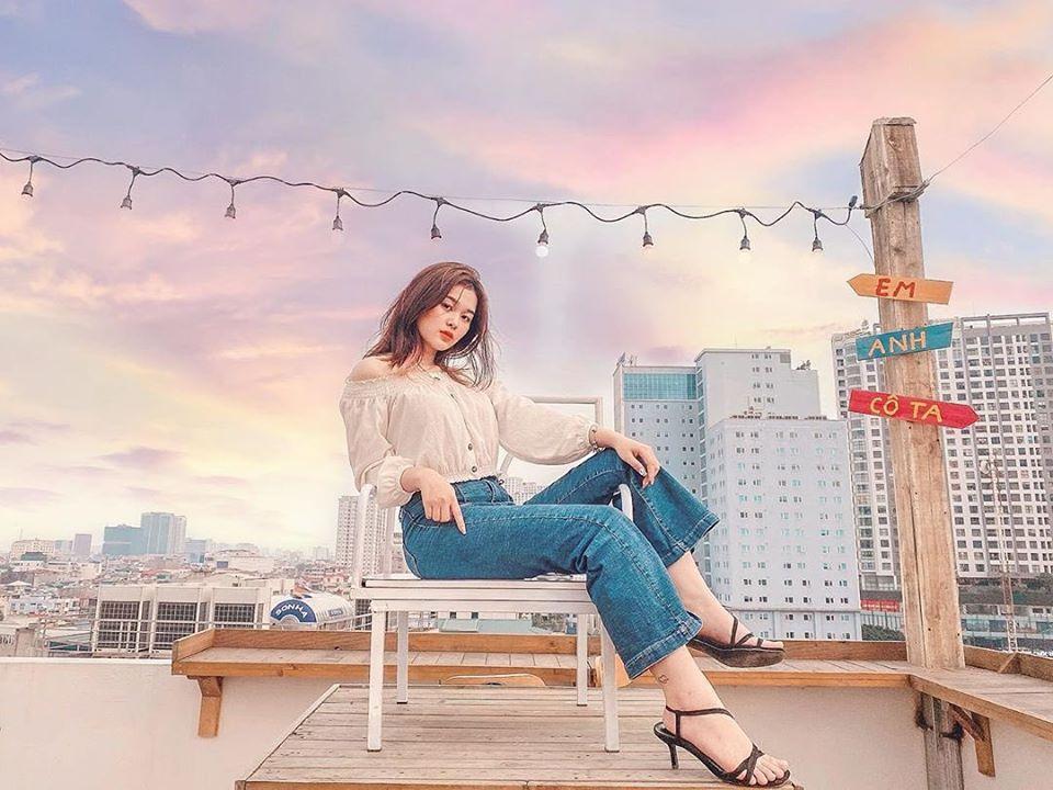 Check-in ngay EM Rooftop Coffee – View ngắm hoàng hôn tuyệt đẹp ở Hà Nội