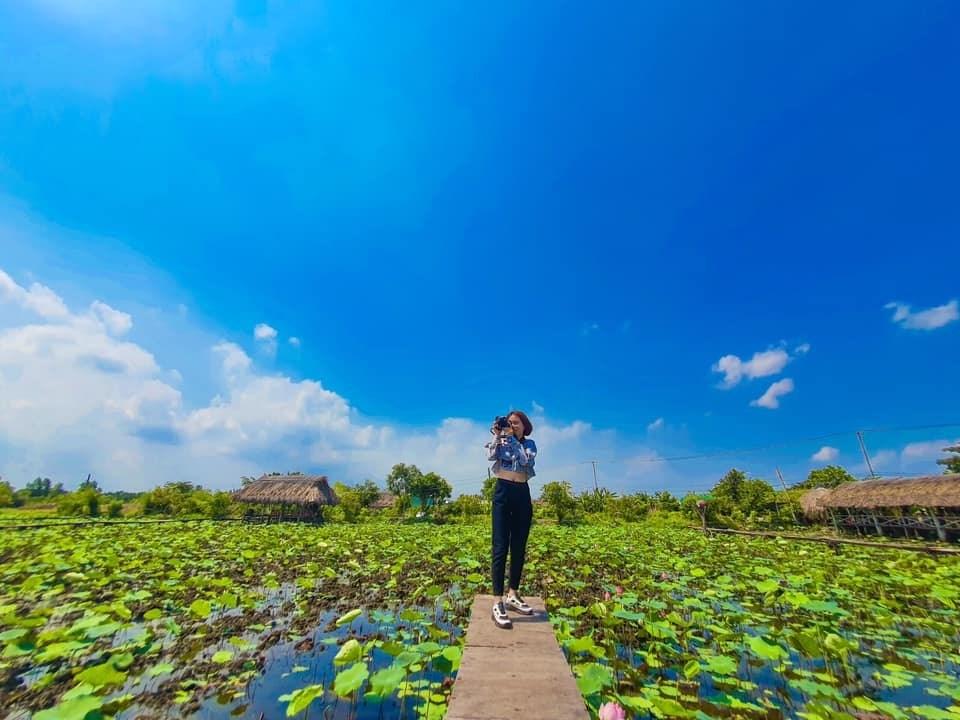 Review Hồ sen Tam Đa quận 9 chỉ với 30k – Đẹp ngất ngây ngày cuối thu